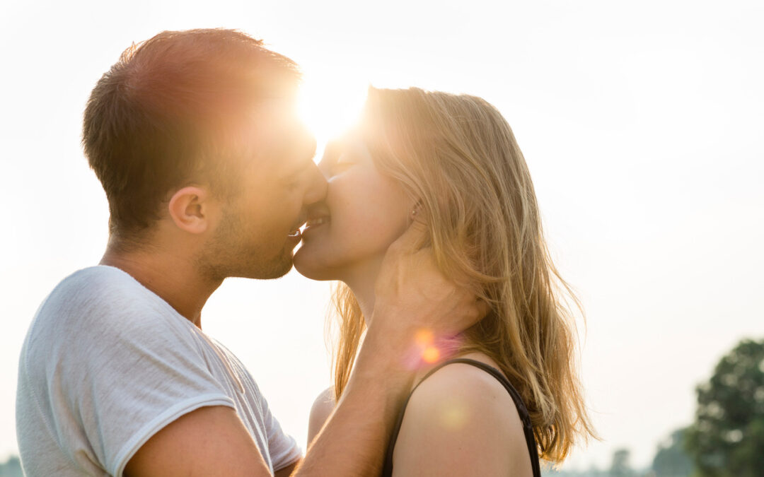 Kissing – The Ultimate Relationship Boost